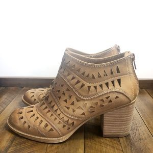 Sofft Caramel Westwood Leather Bootie Size 6.5